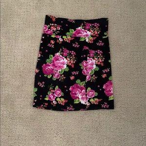 Tight flower pencil skirt